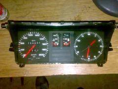 Продам оригинальную приборную панель Audi 80 B2