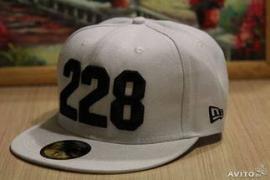 Вышивка на кепках на заказ брендированные кепки с логотипом